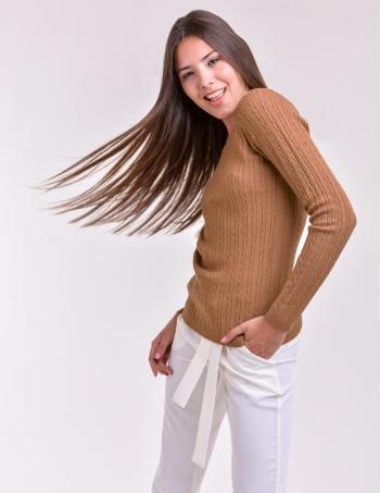 sweater con trenzas mujer suela