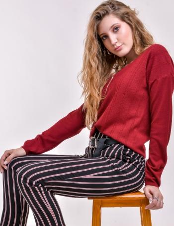 sweater cuello bote mujer con fantasia rojo